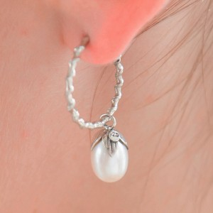 925 Sterling Silver freshwater pearl drop hoops