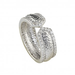 Silver Cz Hammered Shank Ring